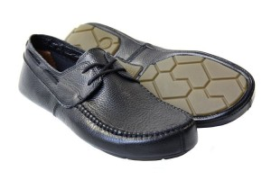 Tadeevo black minimalist boat shoes